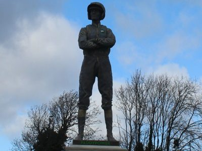 ap mccoy statue at cheltenham