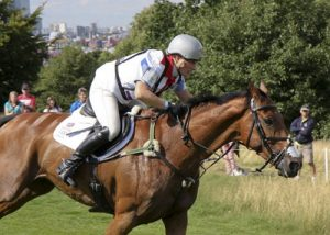 zara tindall riding a horse